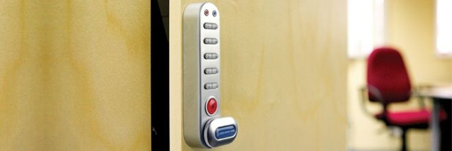 Combination door locks